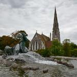 0NO_1381_Вид на фонтан Гефионы и церковь Санкт-Альбанс.JPG
