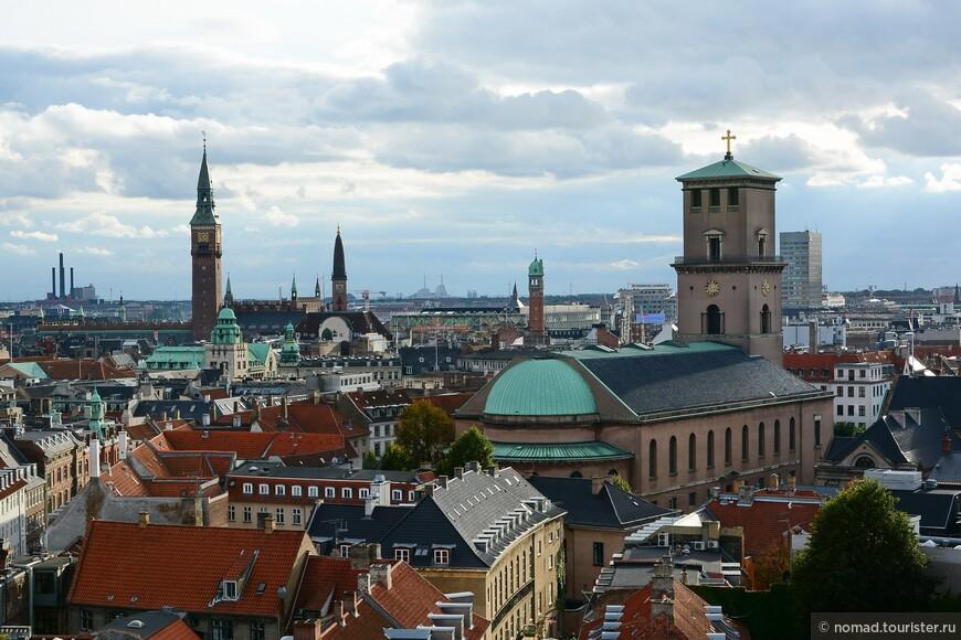 Еще вид на город с Круглой Башни...