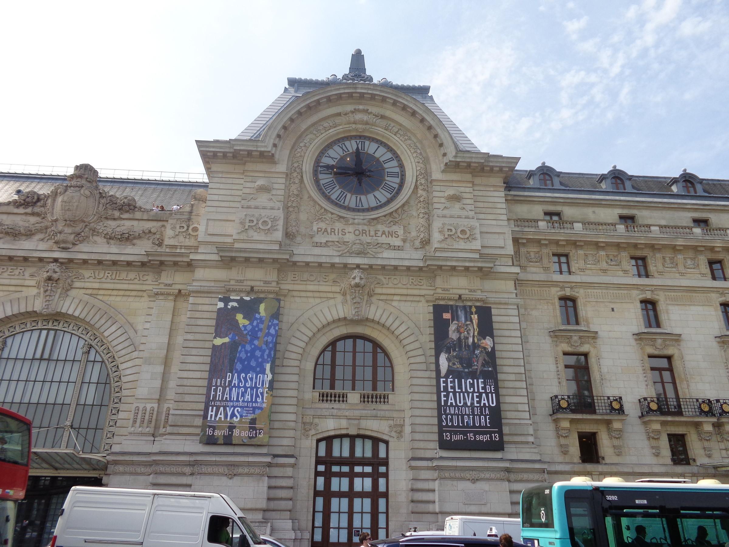 Музей д Орсэ, размещенный в бывшем здании ж.д. вокзала по решению президента Жоржа Помпиду, объявившим здание бывшего вокзала, к 1973 году сильно обведшавшее и находящееся под угрозой сноса, национальным достоянием! в 1978 году началась реконструкция, после ремонтных и реставрационных работ, музей распахнул свои двери для гостей., Париж