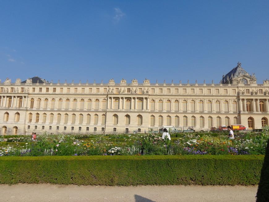 Дворец Версаль - резиденция французский королей начиная с людовика 14 - короля-Солнца.