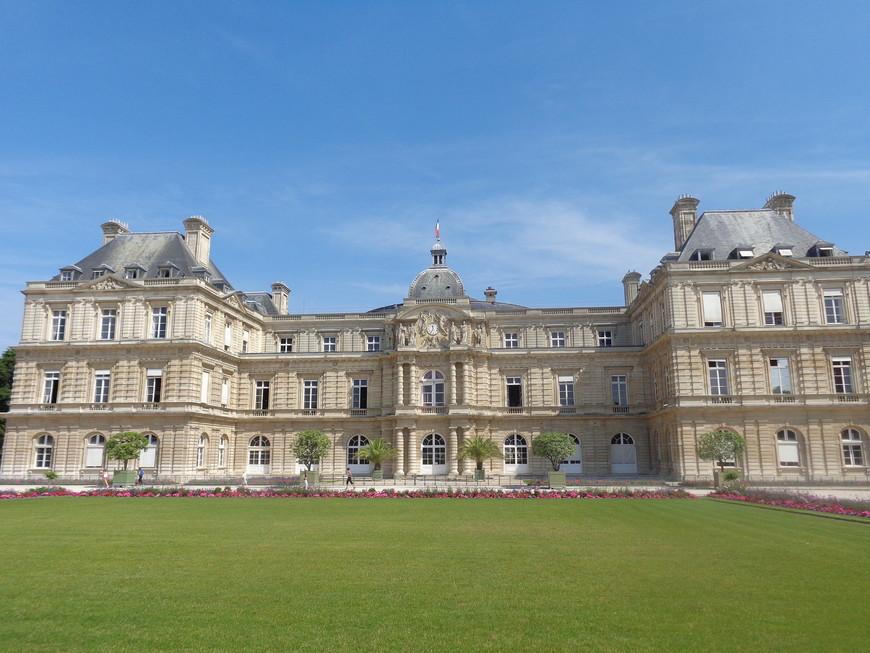 Люксембургский дворец в Париже.