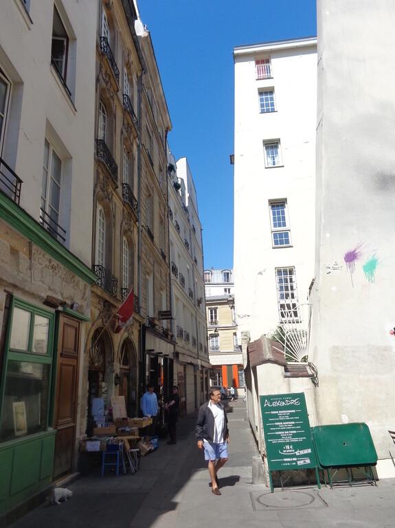 Улочки Латинского квартала в Париже.