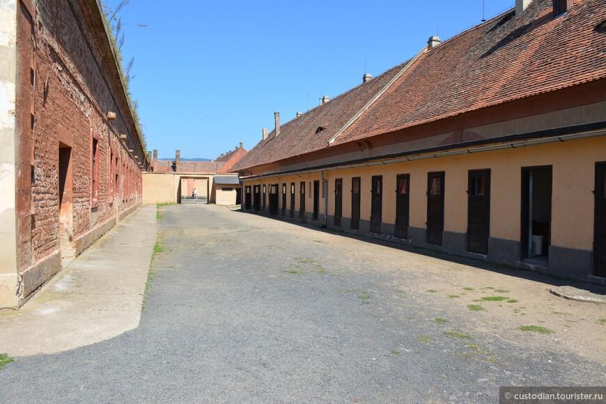 Женский двор (двор III). Для женщин был отведен с июня 1942 года.