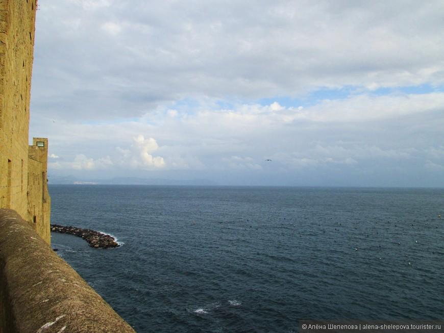И еще немного видов бескрайнего Тирренского моря...
