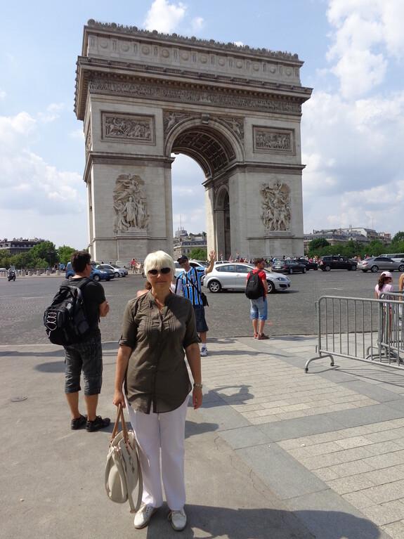 Триумфальная арка завершена в 1836 году.