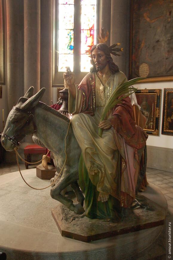 Скульптура Христа на осле.