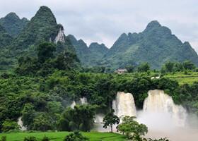 Красота природы безгранична. И водопад Дэтянь тому подтверждение.