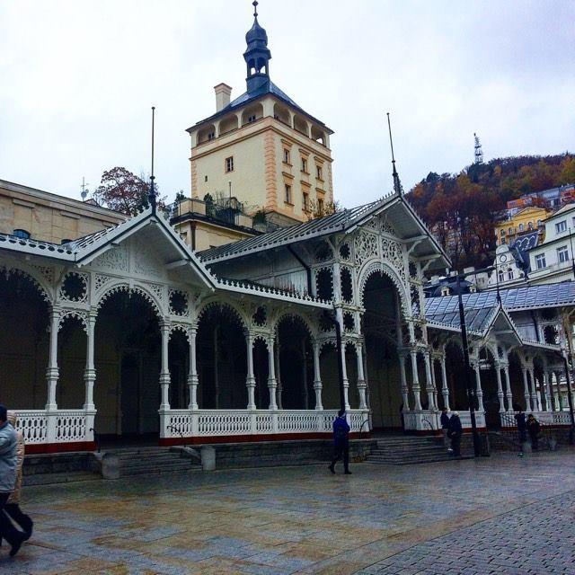 Рыночная колоннада в Карловых Варах.