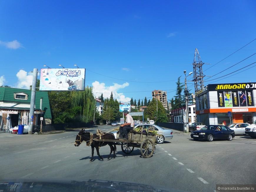 С 1928 г. дорога имеет асфальтовое покрытие.