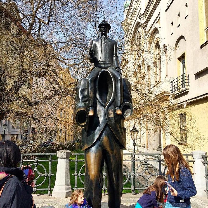 памятник Францу Кафке.
