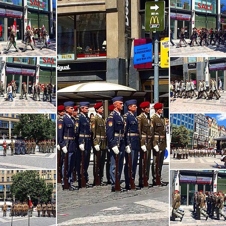 празднование 10-летия дворцовой стражи Пражского града.