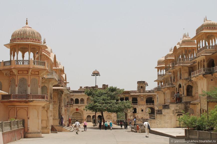 Храм Ханумана — Хануман Мандир.