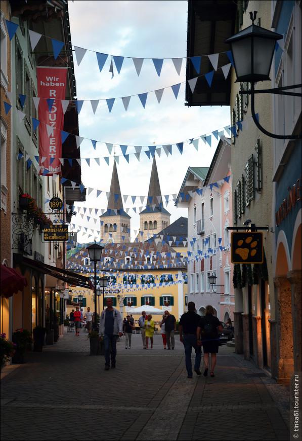 Нарядные улочки Старого города, по которым так приятно гулять.