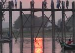 Солнце запуталось на мосту Убейн