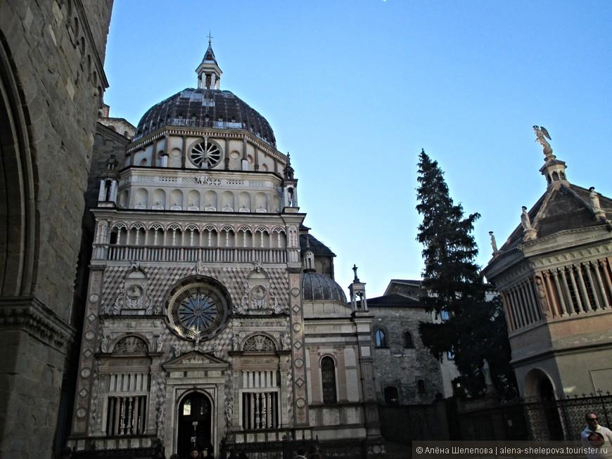 Базилика Санта-Мария-Маджоре, которую начали строить еще в 11 веке. Выглядит очень впечатляюще, глаза разбегаются от обилия деталей на фасаде.