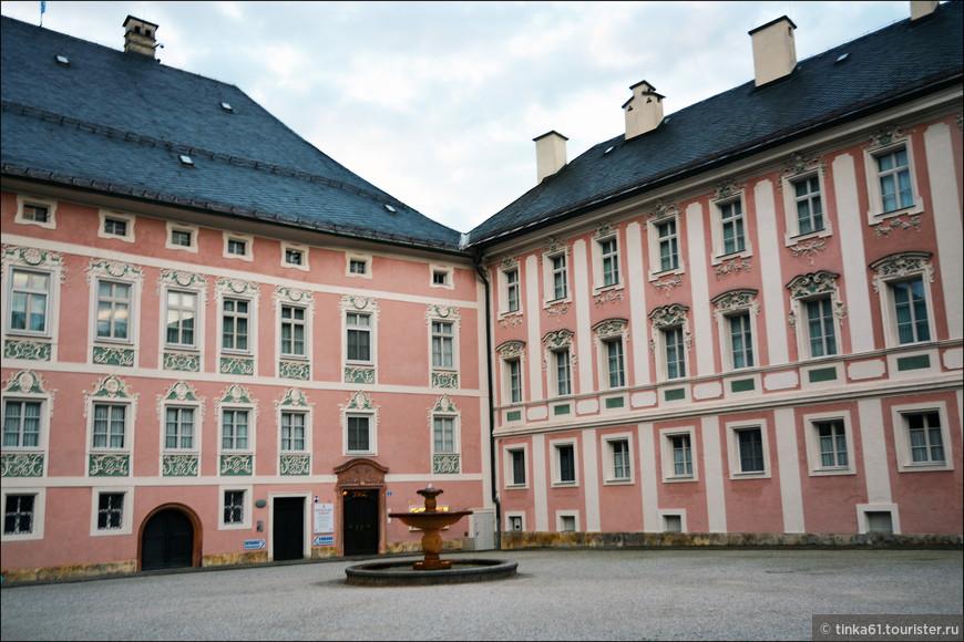 Королевская резиденция  династии Wittelsbach,  которая правила землями Берхтесгадена на протяжении многих веков.