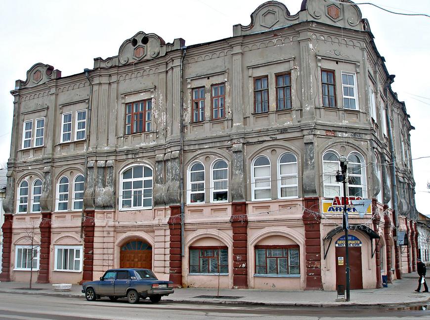 Здание Касимовского техникума водного транспорта, ранее — Дом купца Смирнова.