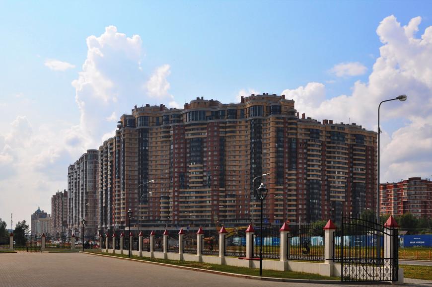 06. Очень редко можно встретить дома под 30 этажей в городах с 300+ тысячным населением.