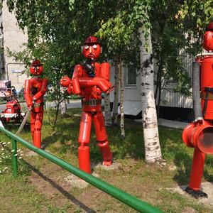 14. Молодцы пожарные. Я когда снимал они мне подсказывали, что нужно еще пожарную машину сфотографировать, позитивные такие.