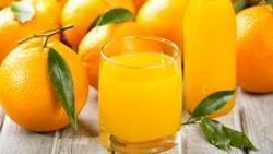 В Валенсии туристов поят апельсиновым фрешем бесплатно