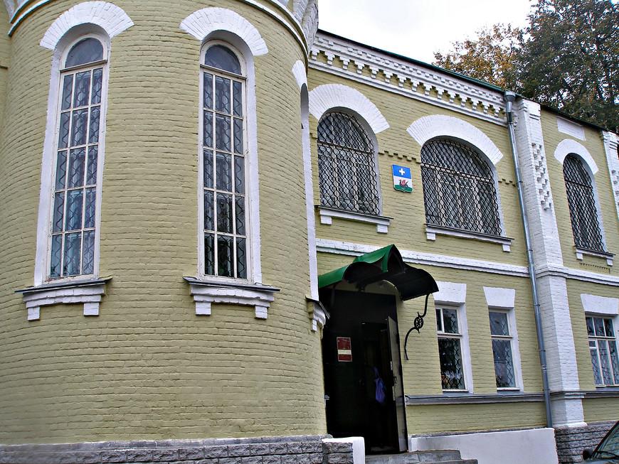 Местный краеведческий музей размещается в красивом особняке начала ХХ века.
