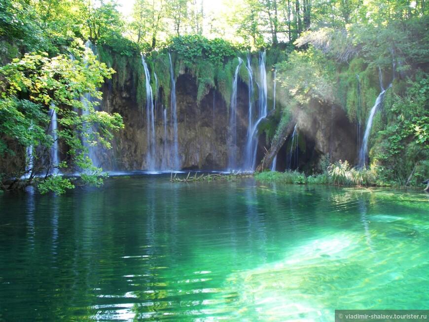 Разнообразие водопадов поражает воображение.
