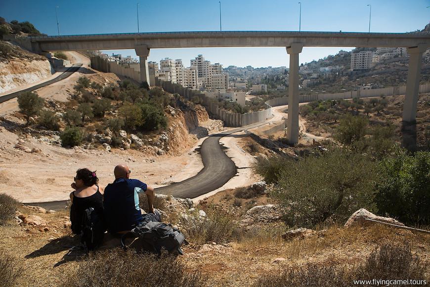 Мост через русло Нахаль Гило