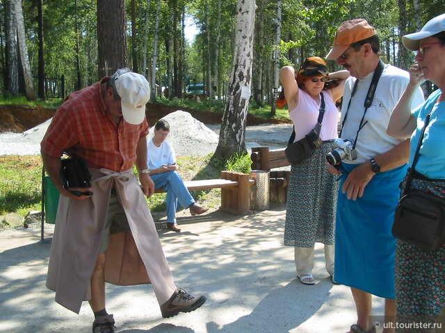 Строгие правила в монастыре. Ежели ты в шортах, надень юбку на территории!