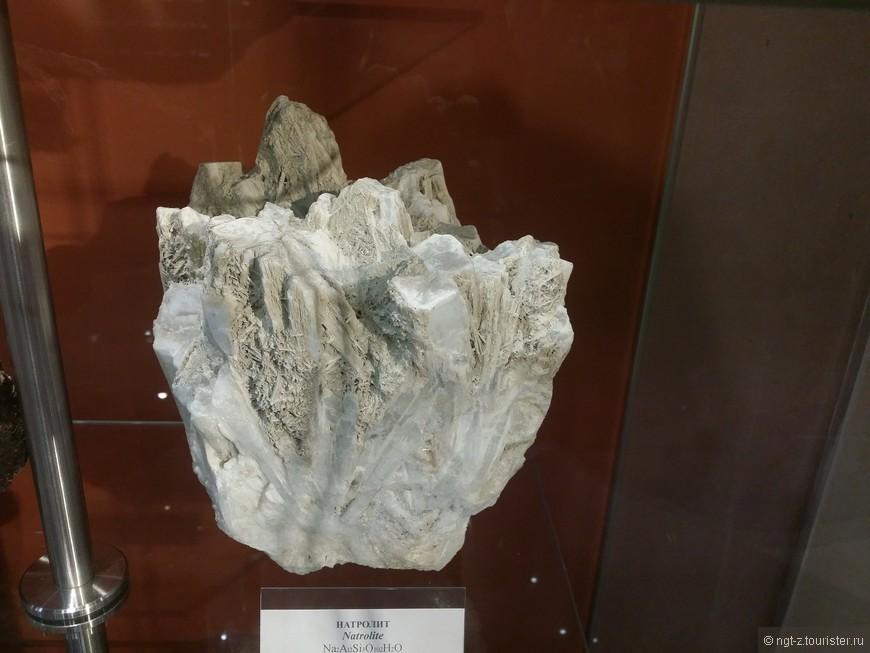 Некоторые камни похожи на инопланетные какие-то и их таких много :)