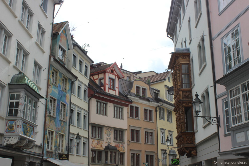 Балконы - одна из главных фишек этого города