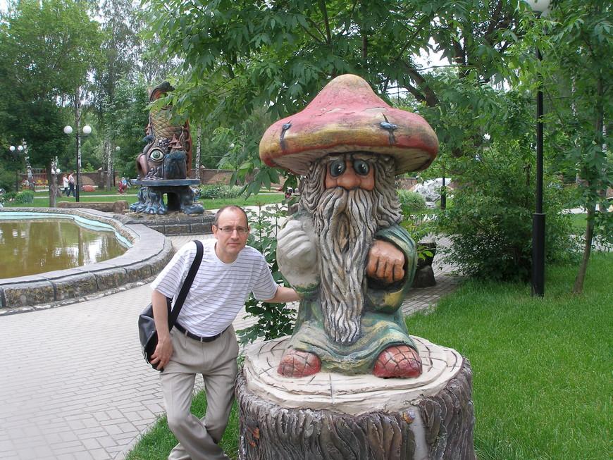 Подлинное удовольствие получили, гуляя по козельскому Детскому парку. Таким замечательным сказочным скульптурам может позавидовать любой областной город.