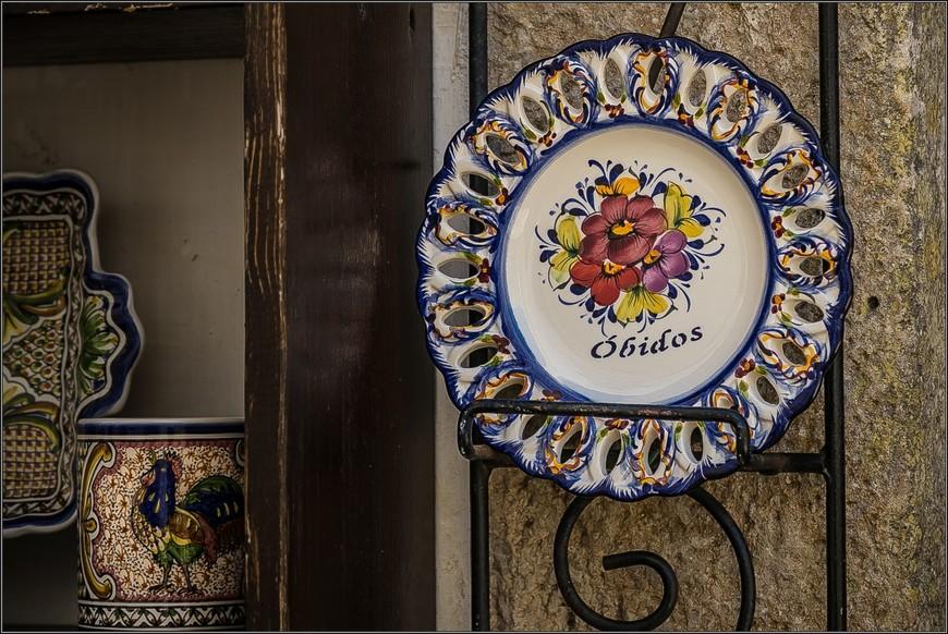 Великолепные сувениры - для тех, кто коллекционирует тарелки и кружки.