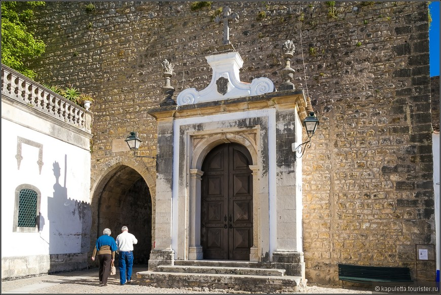 Главные ворота Порташ - да Вила