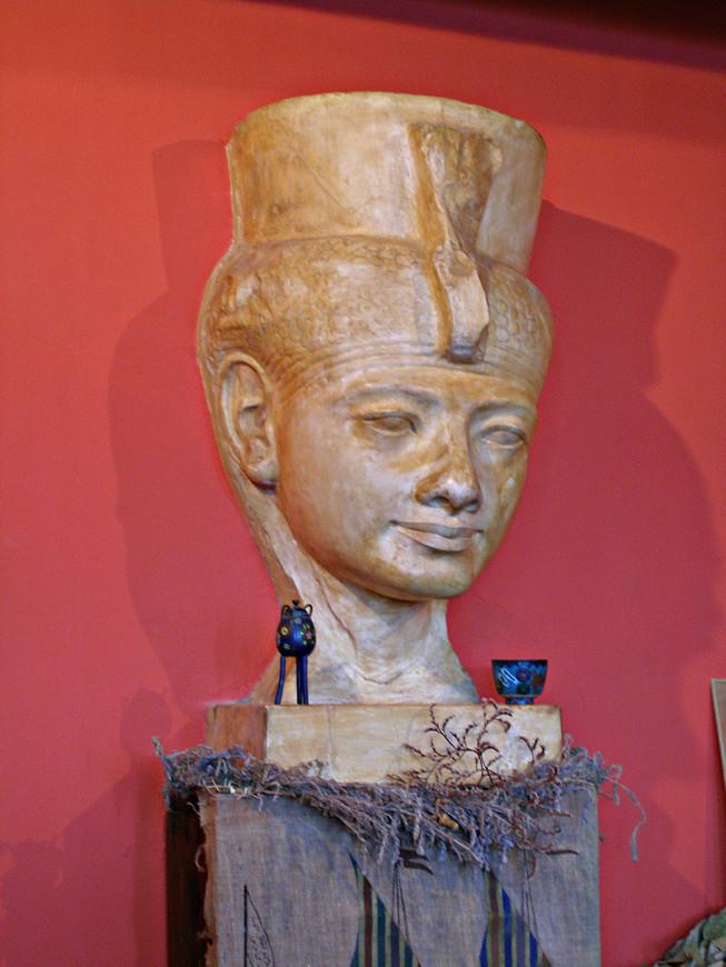 Мать фараона Эхнатона Тия была очень похожа на первую жену Волошина Сабашникову.