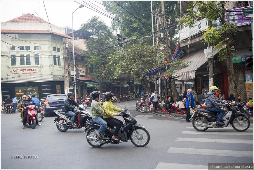 Предлагаю, пока мы еще в Ханое, впитать еще немного красок и запахов столицы страны.