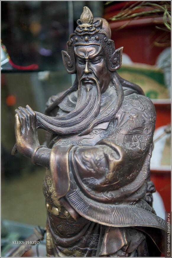 Традиционные, присущие всей Юго-Восточной Азии сюжеты...