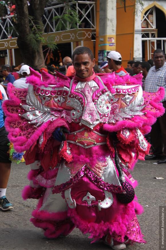 ВСЁ красочно и под латиноамериканскую музыку
