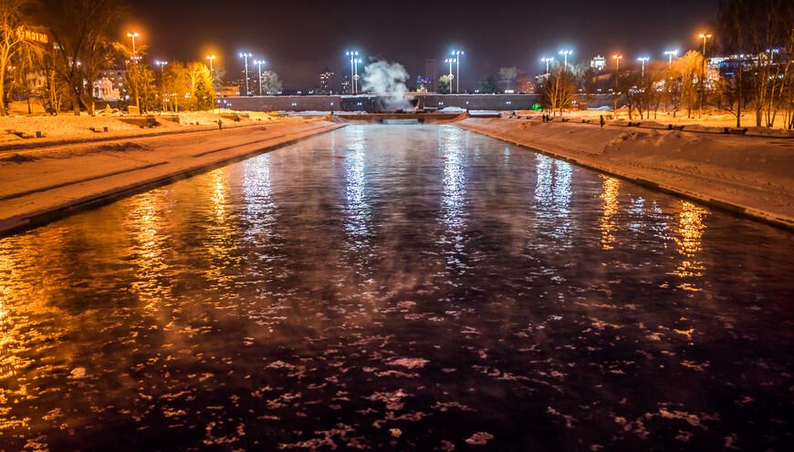 """Река исеть, на дальнем плане - """"плотинка"""", культовое место для любого свердловчанина"""