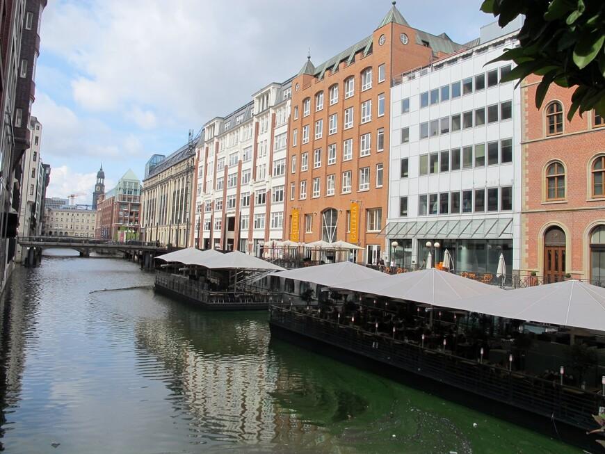 В Гамбурге 2,5 тысячи мостов ( в Венеции 400)