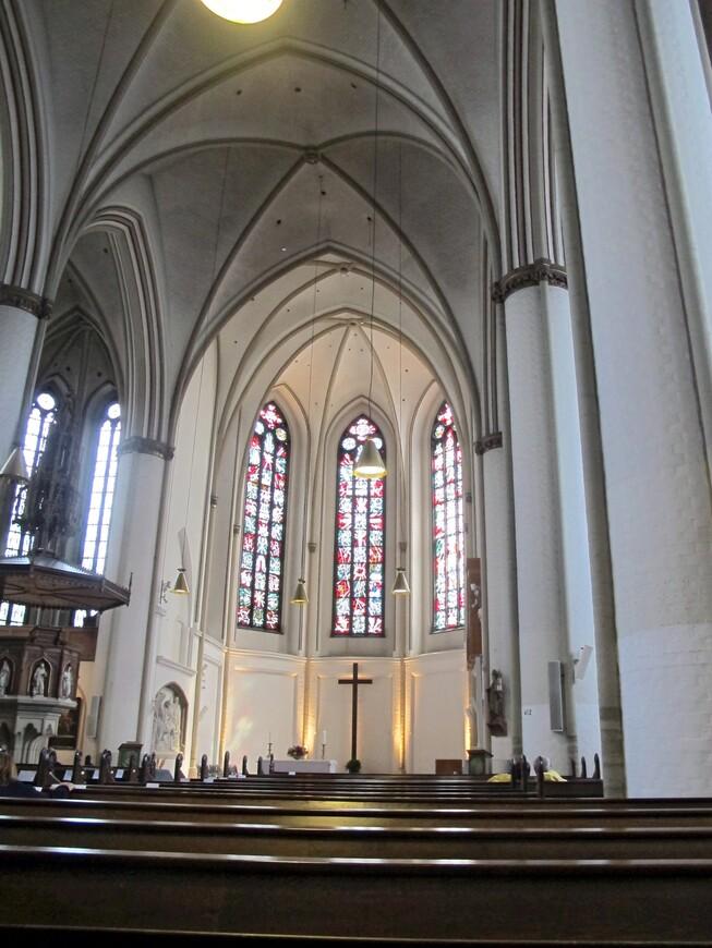 В храме Гамбурга
