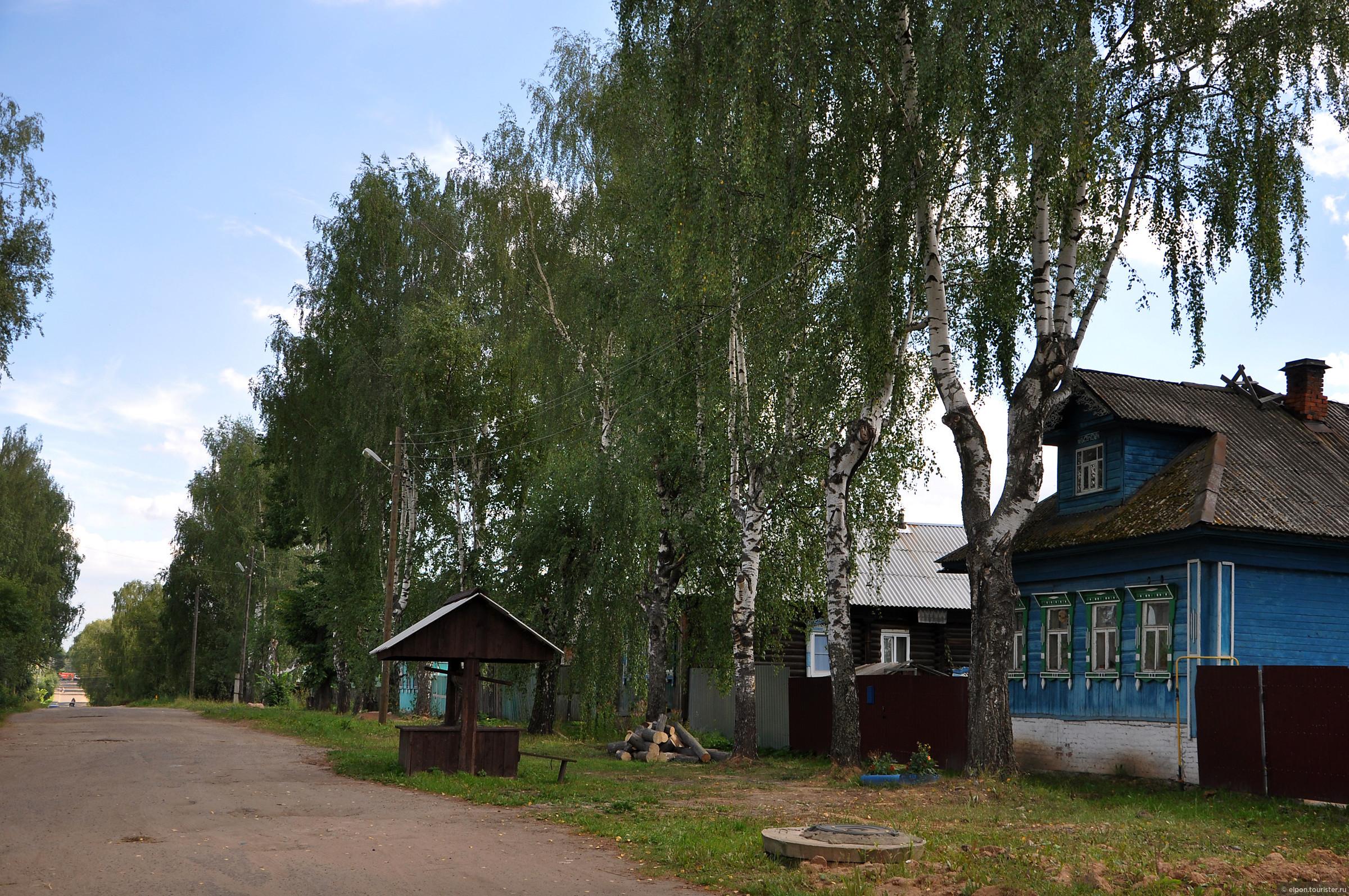 Деревянные резные украшения для фасада и крыши дома
