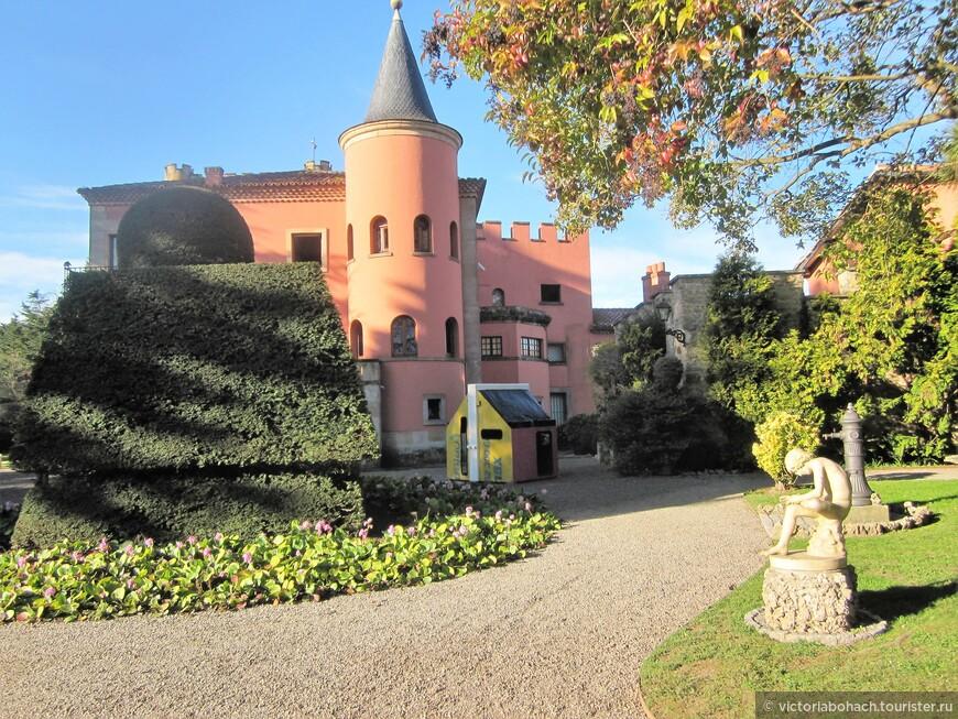 Усадьба музей с великолепной выставкой работ Эваристо Вайе