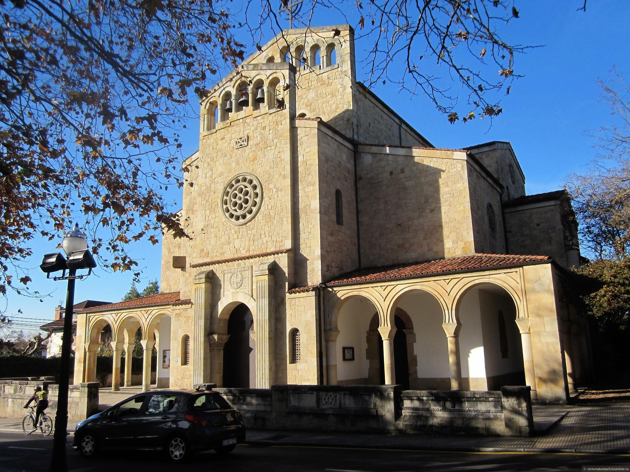 в Сомье есть несколько старинных церквей, эта датируется 13 веком, состояние идеально, реставрация и содержание на очень высоком уровне., Усадьба - музей Эваристо Вайе в Хихоне