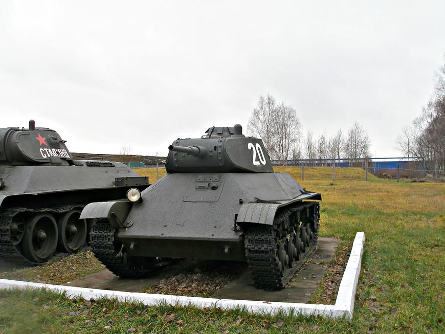 Советский легкий танк Т-50 (1941 г.).