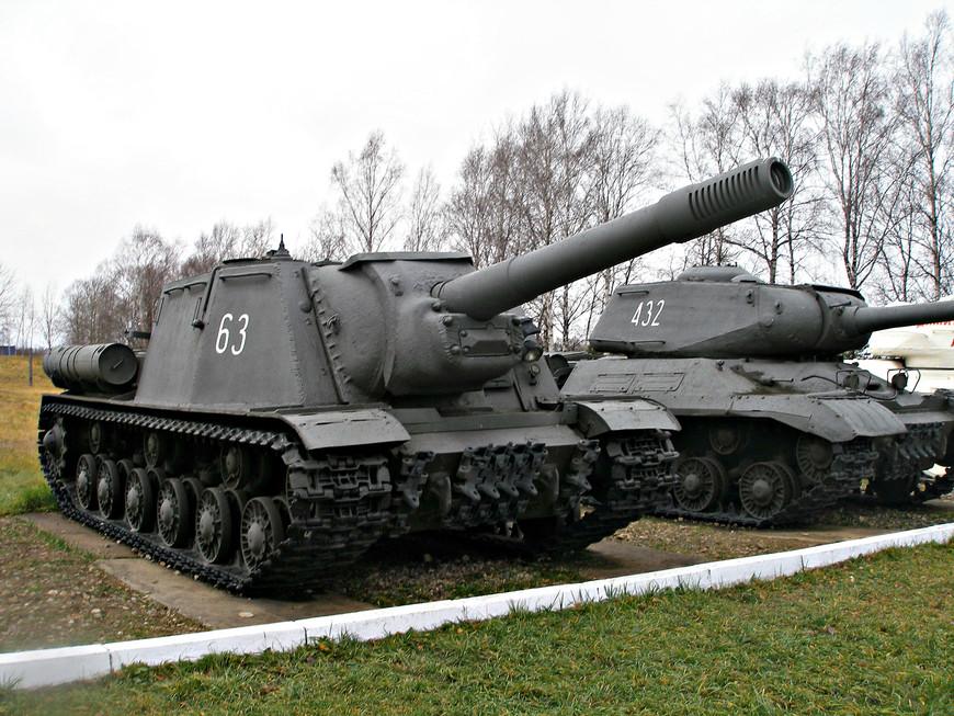 Советская самоходно-артиллерийская установка ИСУ-152
