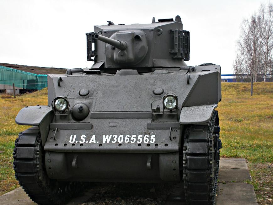Американский легкий танк M5A1 Стюарт (1942 г.)