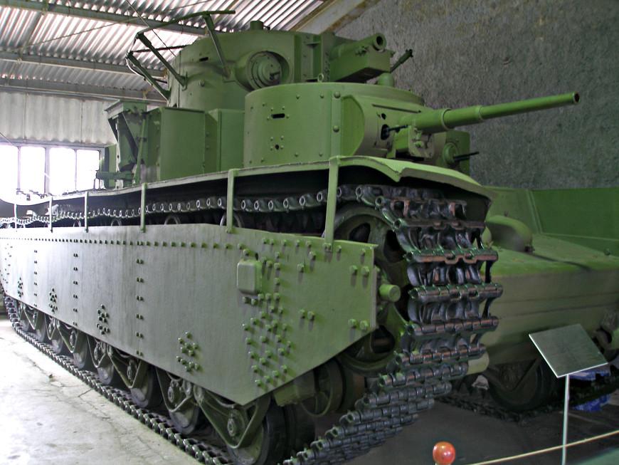 Тяжелый советский танк Т-35 (1933 г.)