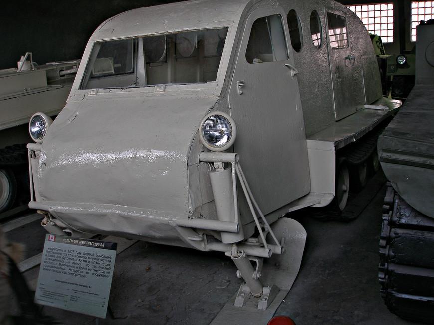 Полугусеничный канадский снегоход В-2 (1937 г.).