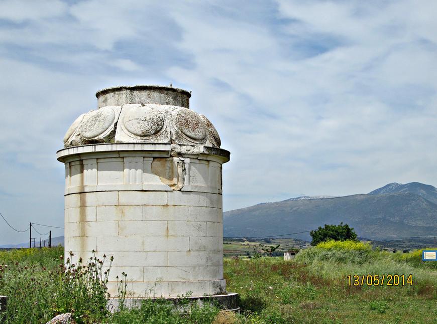 Скромный памятник, поставленный местными патриотами в ознаменование этого давнего события.