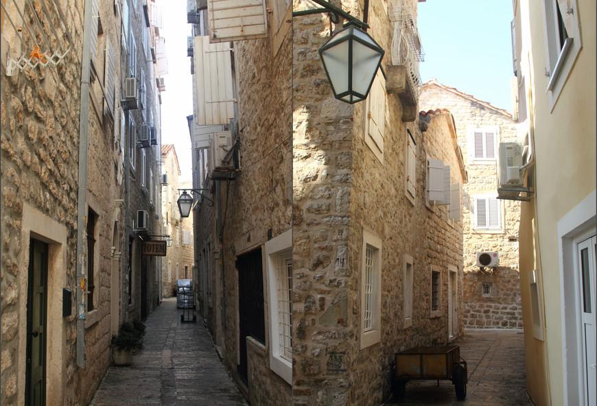 По Старому городу можно гулять бесконечно.. Ах эти узкие , мощёные улочки.